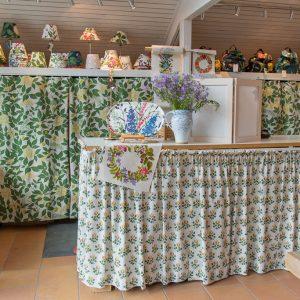 20170625-01143-dalarna-web (スウェーデンの美しい植物をモチーフにしたヨブス工房のテキスタイル)