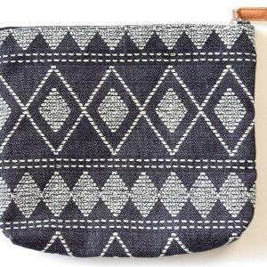 pouchM_02 (北欧刺し子刺繍のポーチ、それぞれのデザイン3)