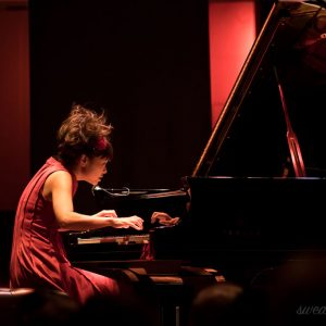 20171008-02123-hiromi-uehara-stockholm (日本のジャズピアノとコロンビアのハープのデュオにスウェーデン人が陶酔!)
